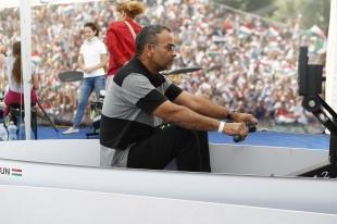 Joshi Barath az olimpia közösségformáló szerepéről beszélt, majd kipróbálta a sportvidámpark játékait Győrött